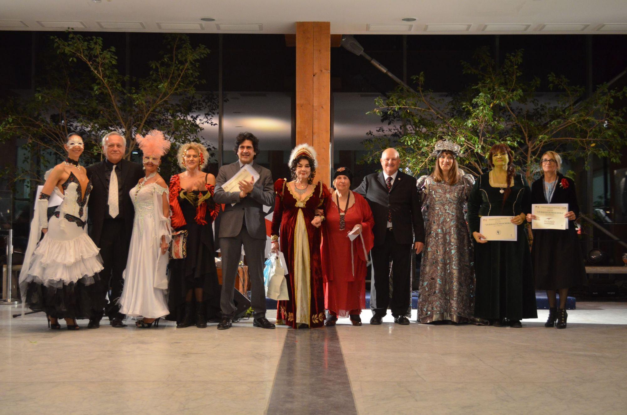 Grande successo per il ballo in maschera al Pucciniano
