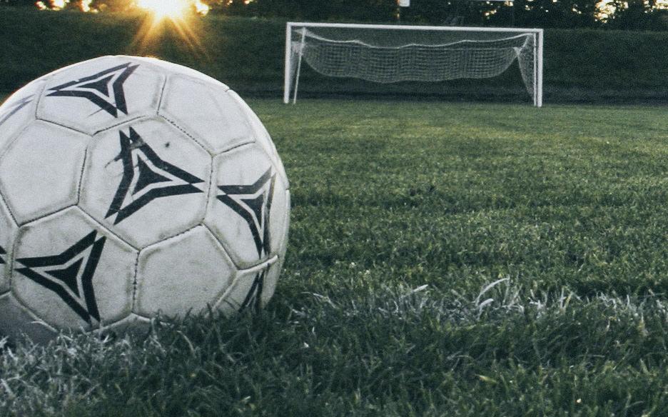 Calcio serie D, le prime della classe contro le versiliesi