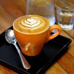 maestro barista Latte art