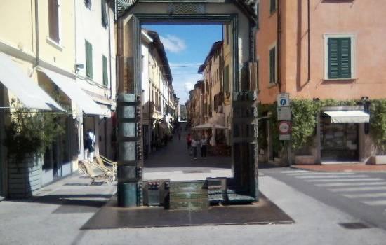 """Riapre i battenti lo storico negozio """"Gaggioli"""" in via di Mezzo"""