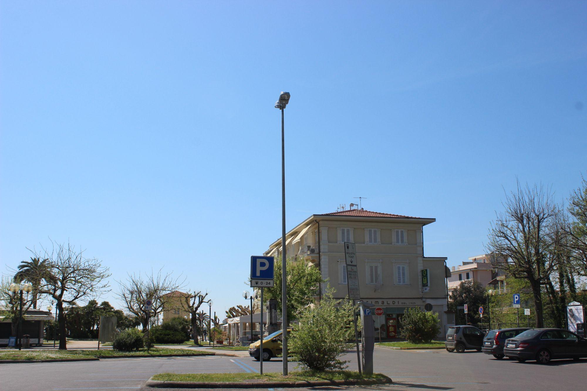 Potenziata illuminazione a Fiumetto, 400mila euro per la manutenzione