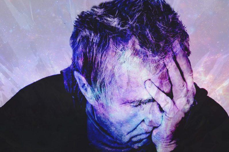 meningite testa uomo anziano