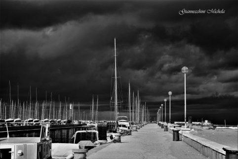 Arriva la pioggia, allerta meteo a Viareggio