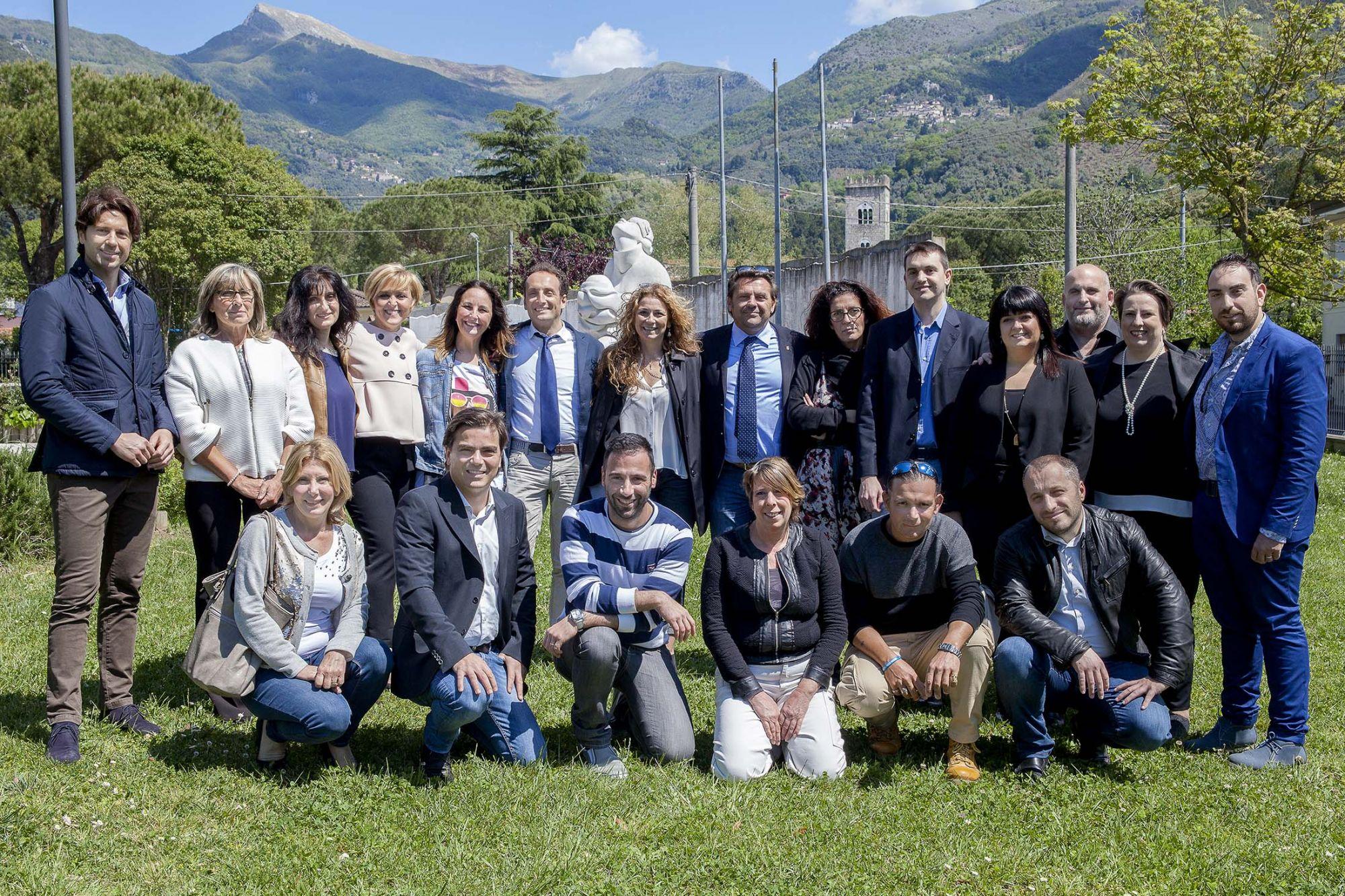 La squadra di Camaiore Nel Cuore con il candidato sindaco Del Dotto