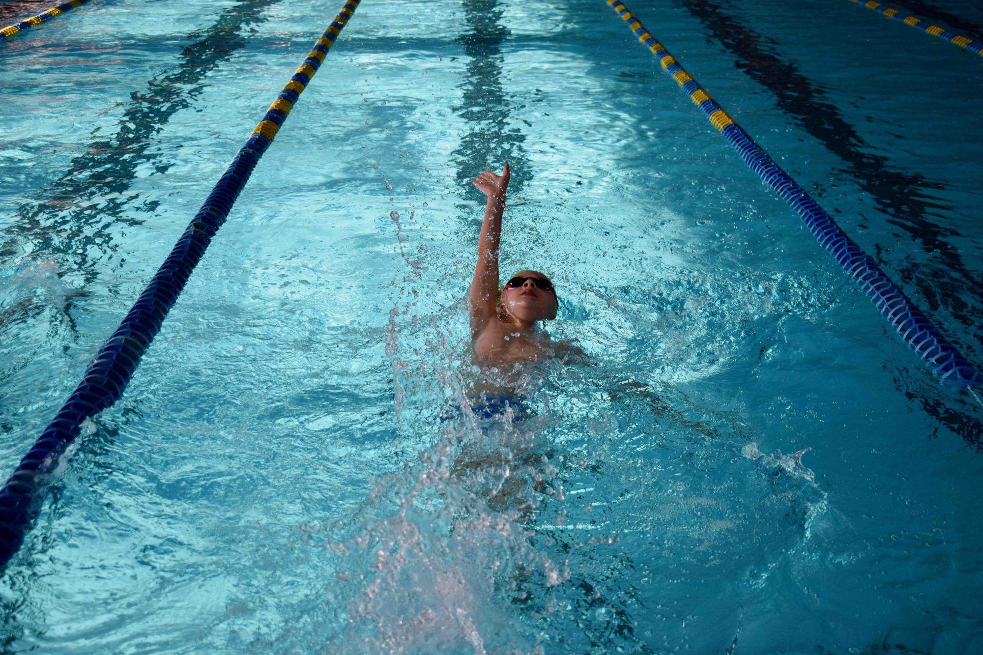 Nuoto, giornata di gare e qualifiche a Massarosa