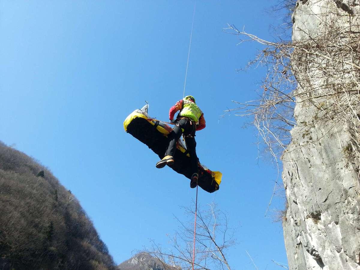 Cade sul monte Cavallo, escursionista muore a Cisanello