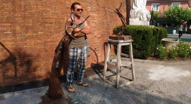 Alfio Bichi e le sue sculture all'ombra del Fortino.