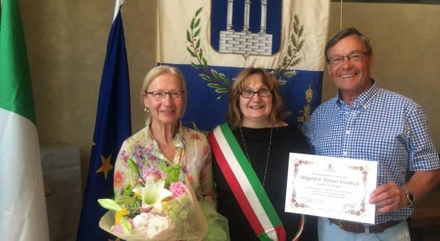 Dal 1965 ogni anno in vacanza a Pietrasanta, due tedeschi premiati
