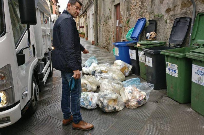 Chip nei bidoncini dei rifiuti, nuova ordinanza su decoro e differenziata