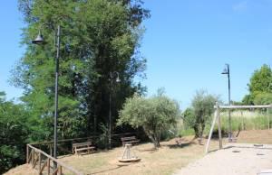 Foto impianto illuminazione parco giochi Capezzano Monte 2