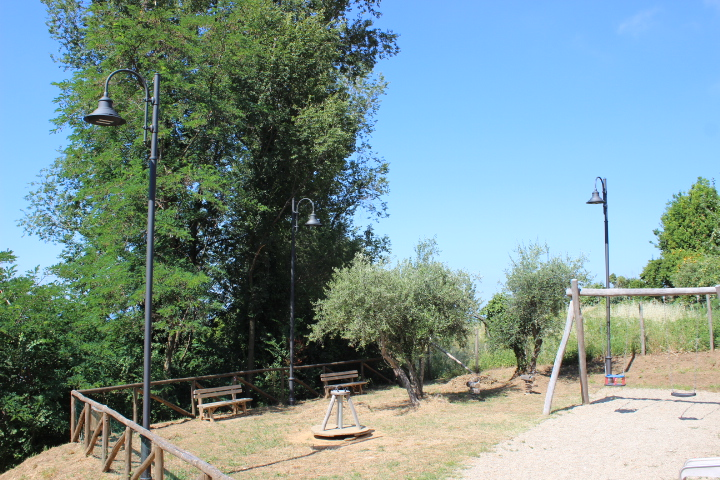 Si accendono le luci sul parco giochi di Capezzano Monte - Comune Pietrasanta...