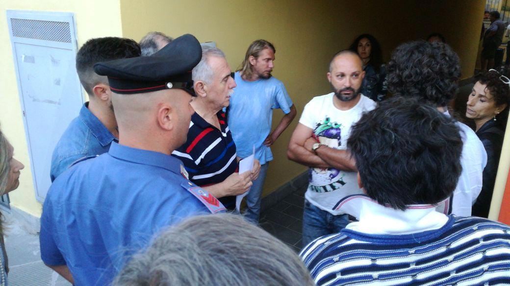Camaiore elezioni sospese, Carabinieri alla sezione 1