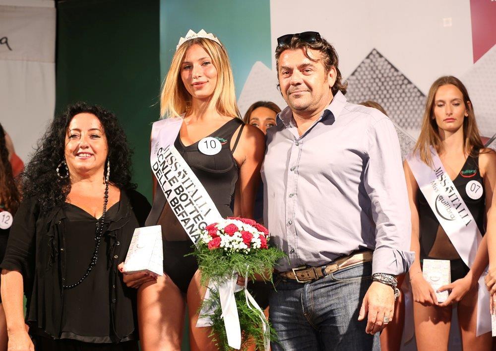 Miss Italia, Anna Spina è la più bella alla Festa di Prima Estate di Capezzano Pianore