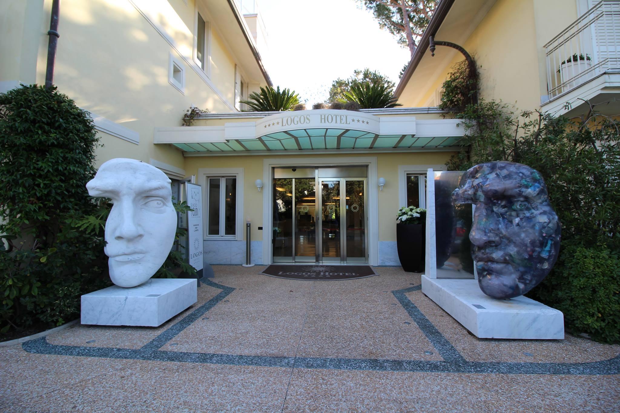 """Sculture"" e ""Logos – Contemporary Art"" a Forte dei Marmi"