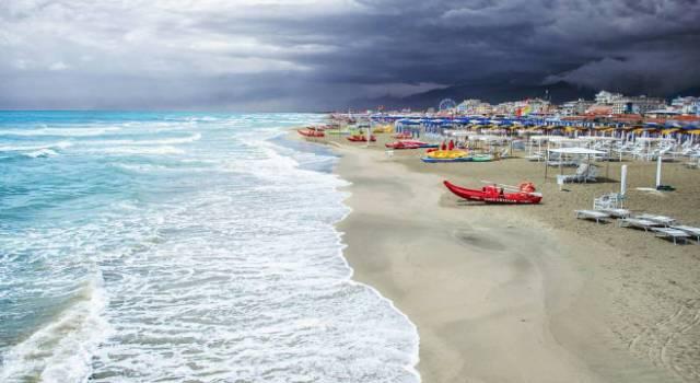 Malore sulla spiaggia, muore bagnante