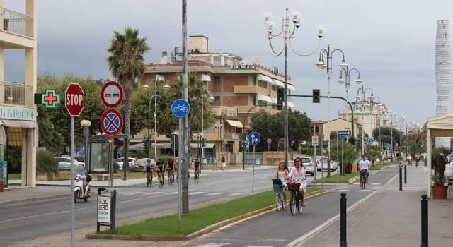 Ecco la pista ciclabile che collega Pietrasanta e Forte dei Marmi