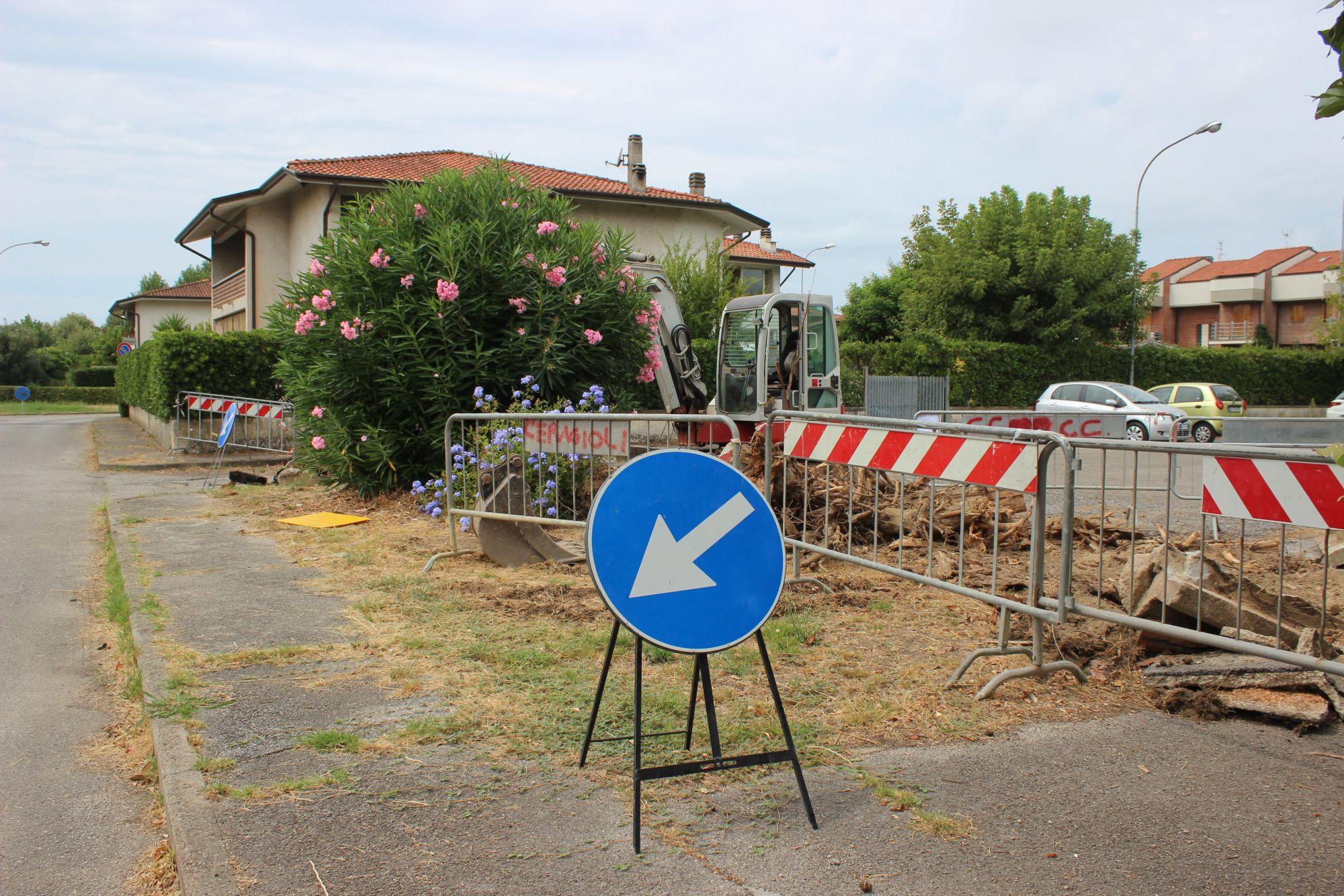 rifacimento marciapiede via Lombardi cantiere
