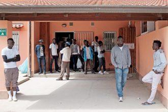 migranti immigrati rifugiati accoglienza