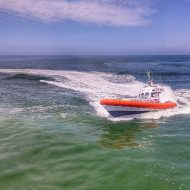 Si rovescia Barca, interviene la Guardia Costiera