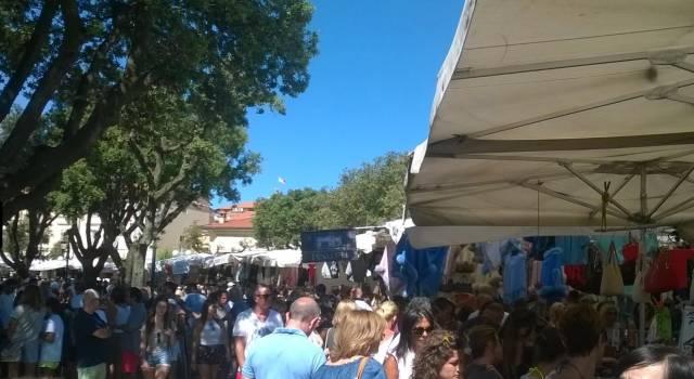 Spostamento dei banchi del mercato in via Matteotti
