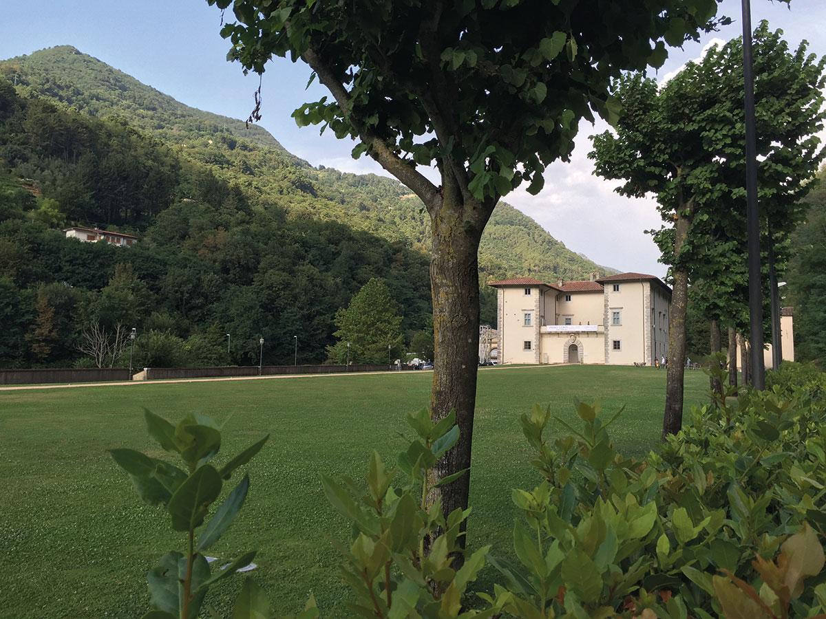 Palazzo-Mediceo-e-giardino