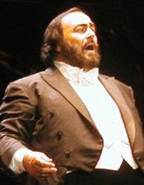 Inaugurazione della scultura dedicata a Pavarotti, donata dal Comune di Pietrasanta a Modena