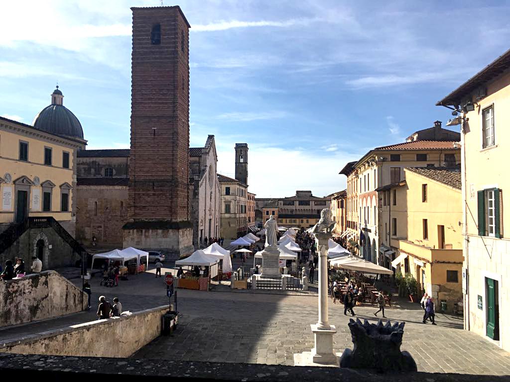 San Martino, Pietrasanta si prepara per la fiera