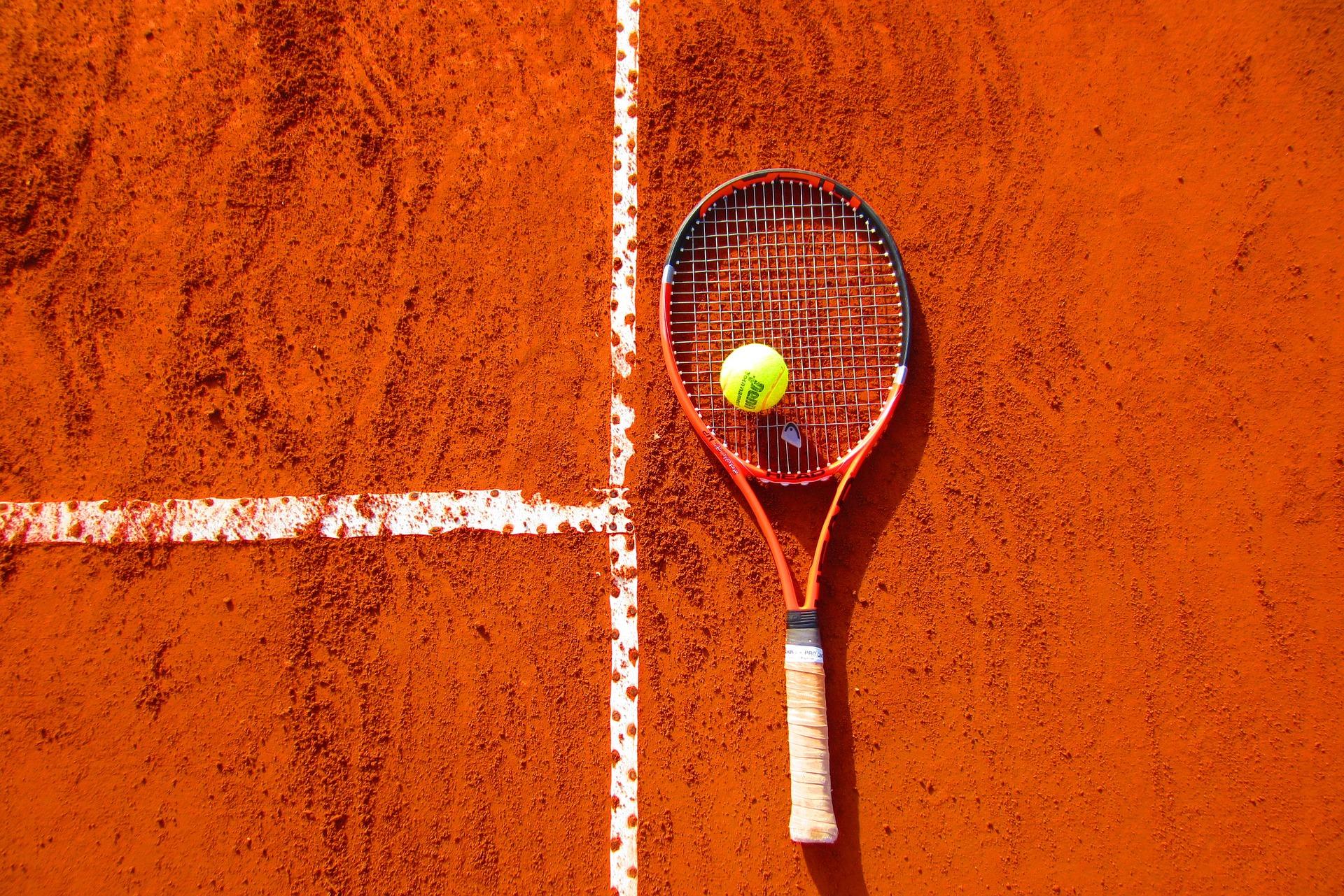 Tennis, Forte dei Marmi si gioca l'accesso alla finale