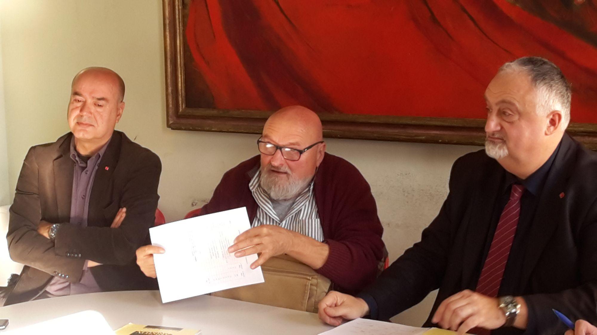 """""""Abbattiamo le liste d'attesa"""". Raccolta firme in ospedale a Lido"""