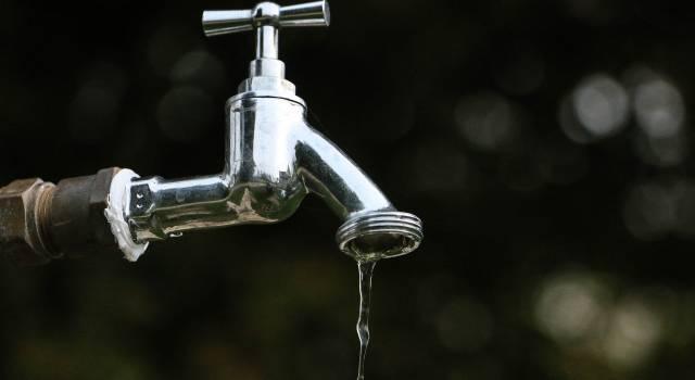 Stop idrico nella notte per tutta Viareggio e Torre del Lago. Disagi anche a Camaiore