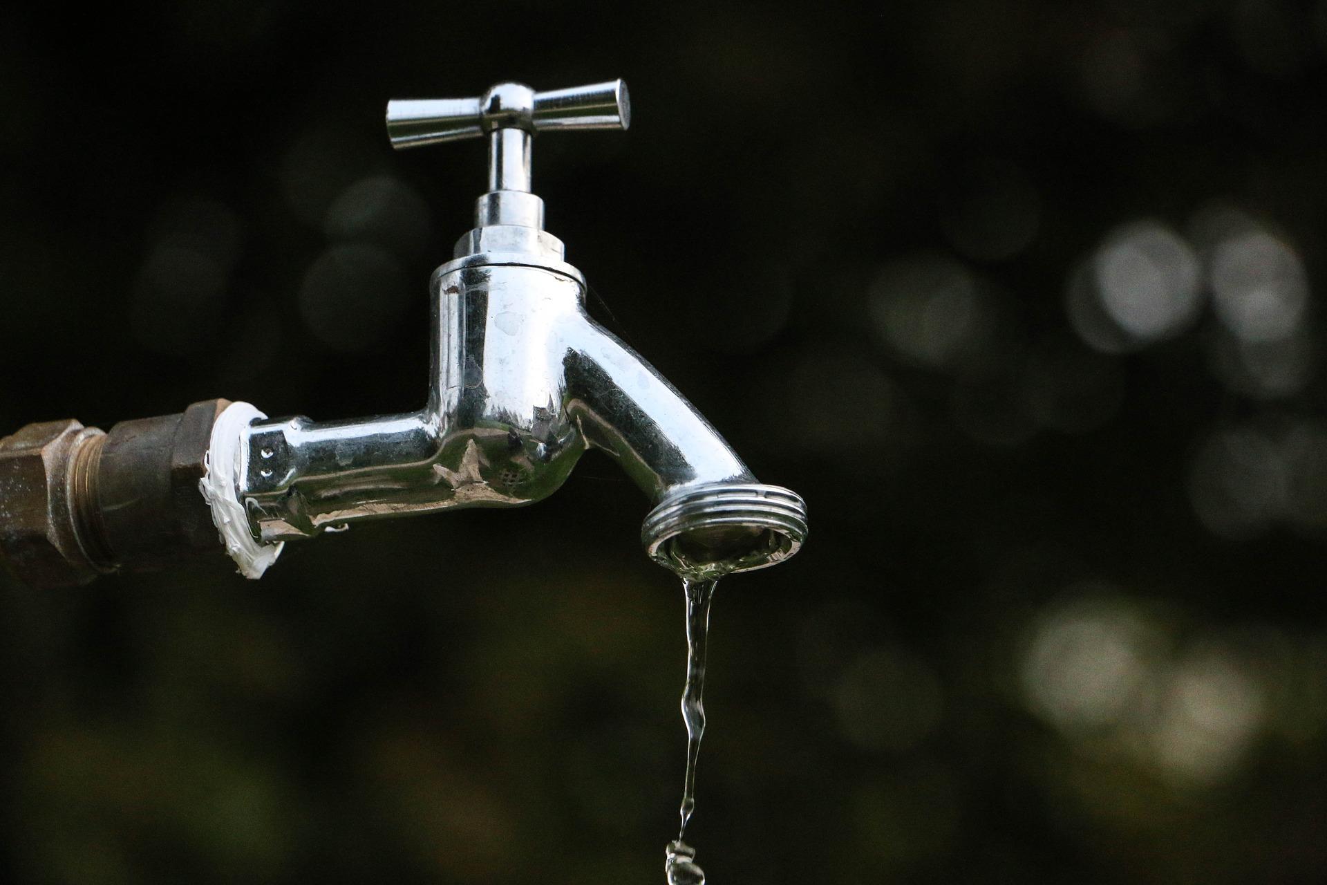 Lavori all'acquedotto di Viareggio stanotte: probabile acqua torbida domani a Torre del Lago, Campo d'aviazione e Darsena