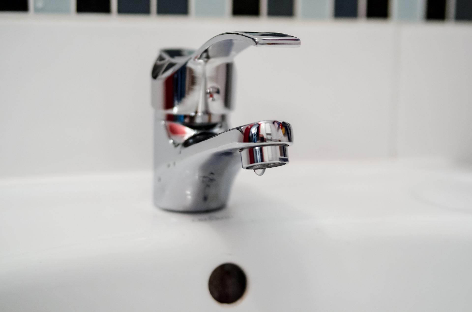 Lavori all'acquedotto, stop all'erogazione idrica per 970 utenti di Viareggio
