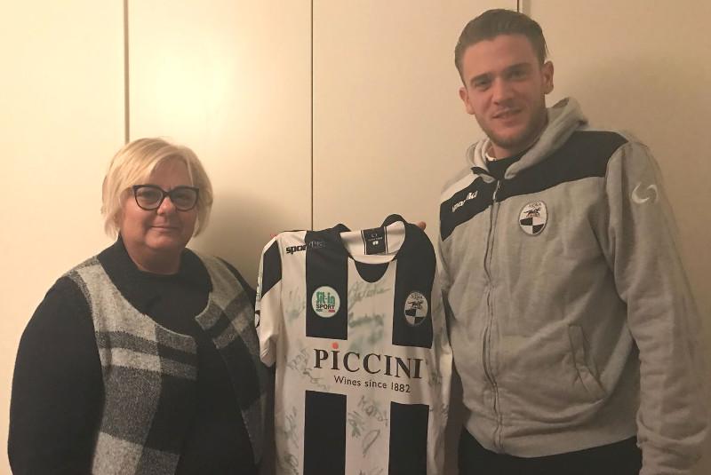 """Donazione dei giocatori della Robur Siena alla Pediatria del """"Versilia"""""""