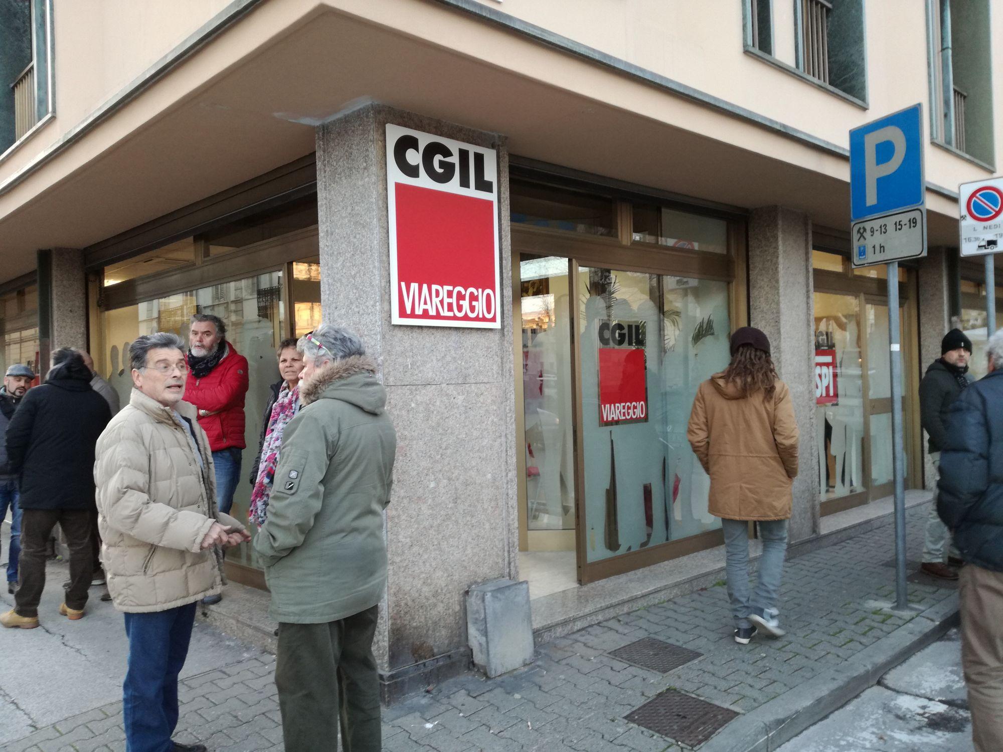 Licenziamenti alla Ponsi, lavoratori in sciopero