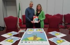 Antonio Giannelli pres ass I colori per la pace e Graziella Polacci vice sindaco e ass cultura comune FdM