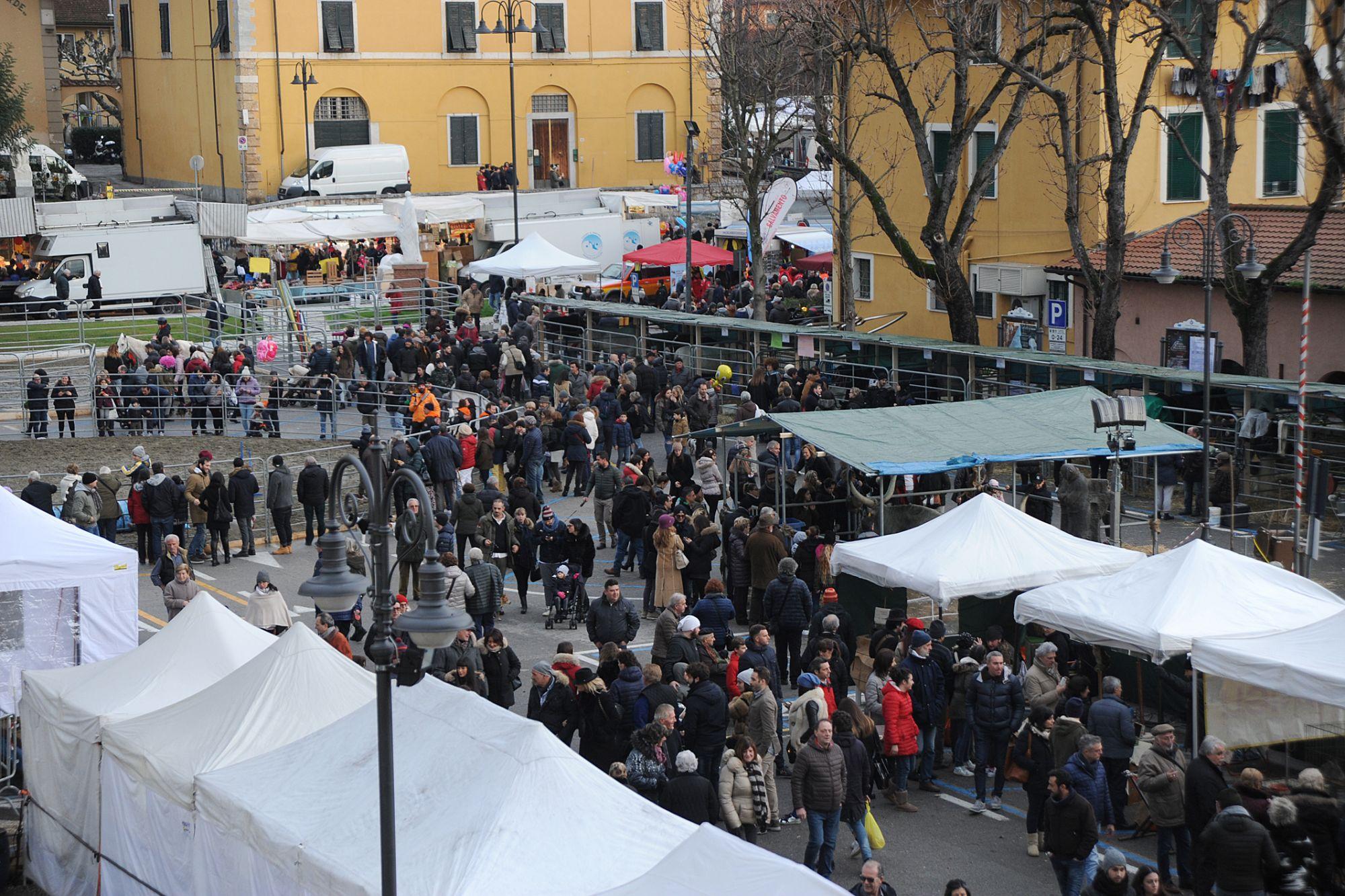 Fiera di San Biagio, il maltempo rovina parzialmente la festa