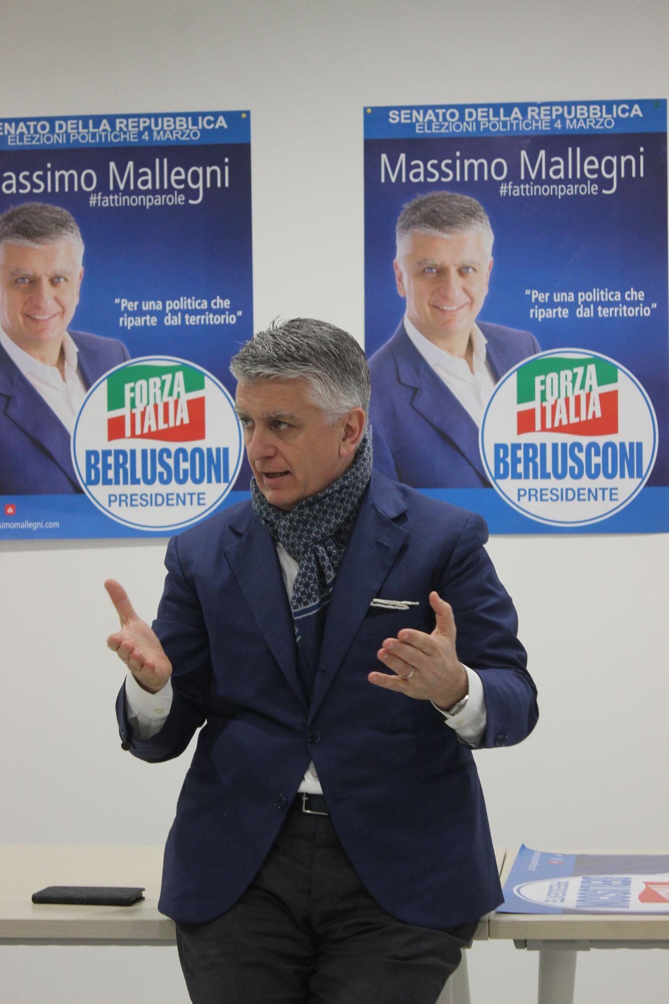 Massimo Mallegni inaugurazione sede Massa 2