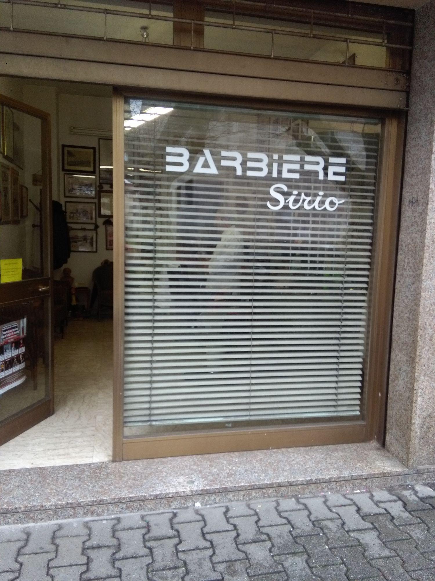 90 anni per Giancarlo Garbocci, il barbiere più longevo d'Italia
