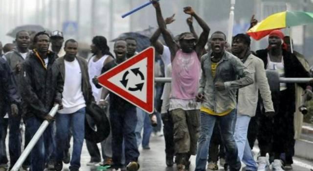 """Migranti di Capriglia, """"paura che la Lega interrompa il business?"""""""