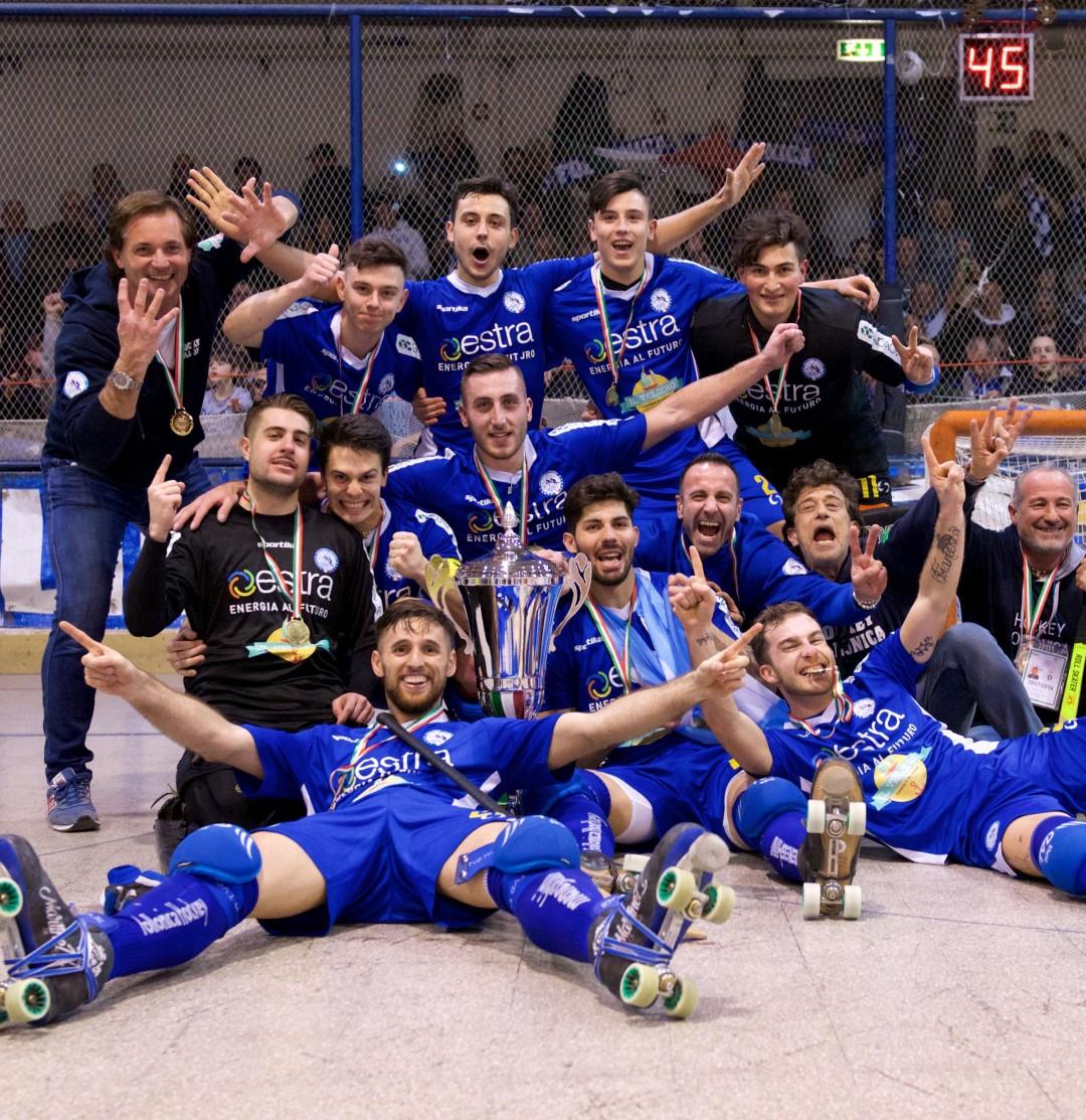 Hockey, Il Follonica ritorna a vincere la Coppa Italia dopo 8 anni