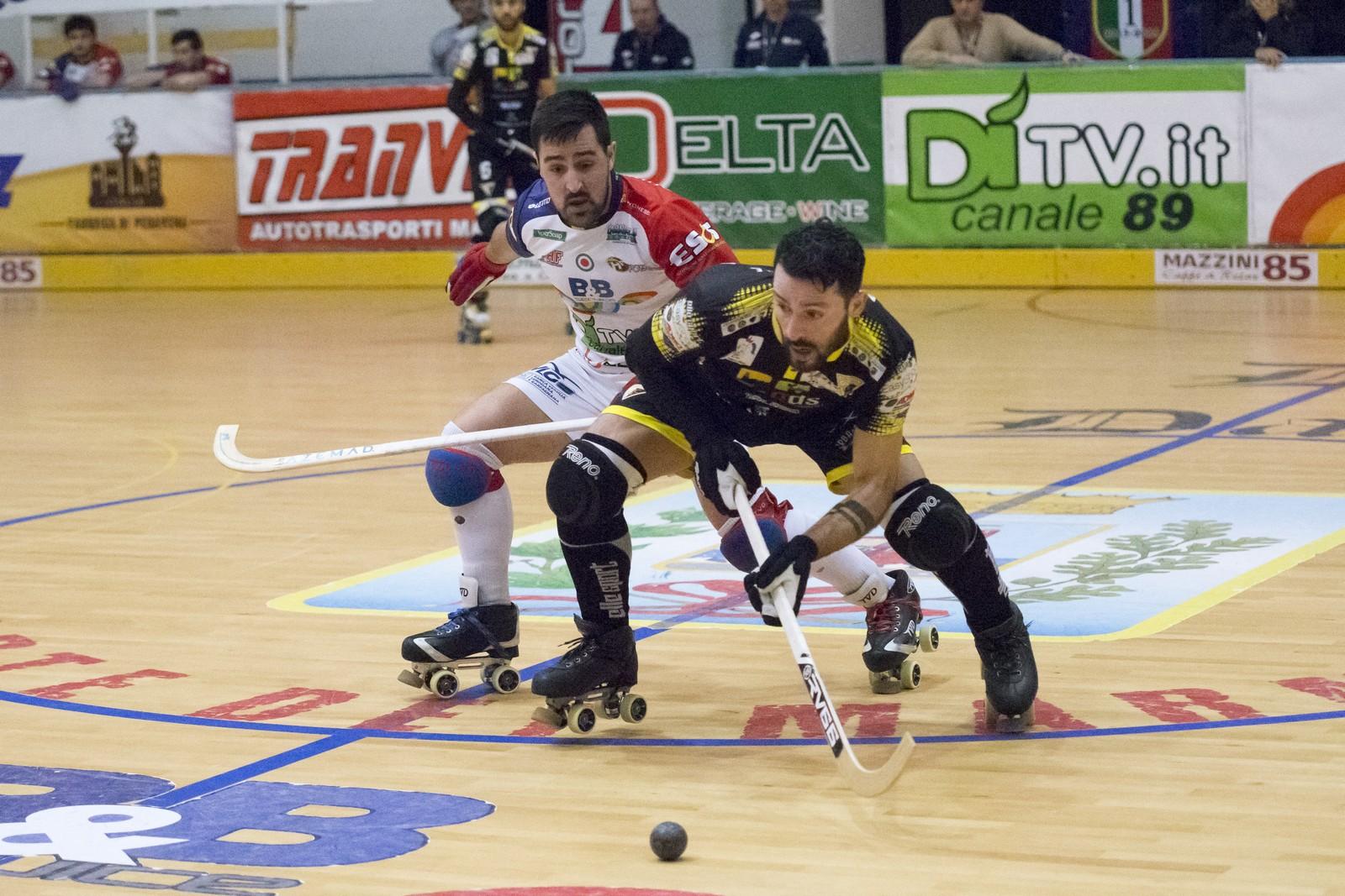 Hockey, il Forte si aggiudica il derby e vola in testa alla classifica