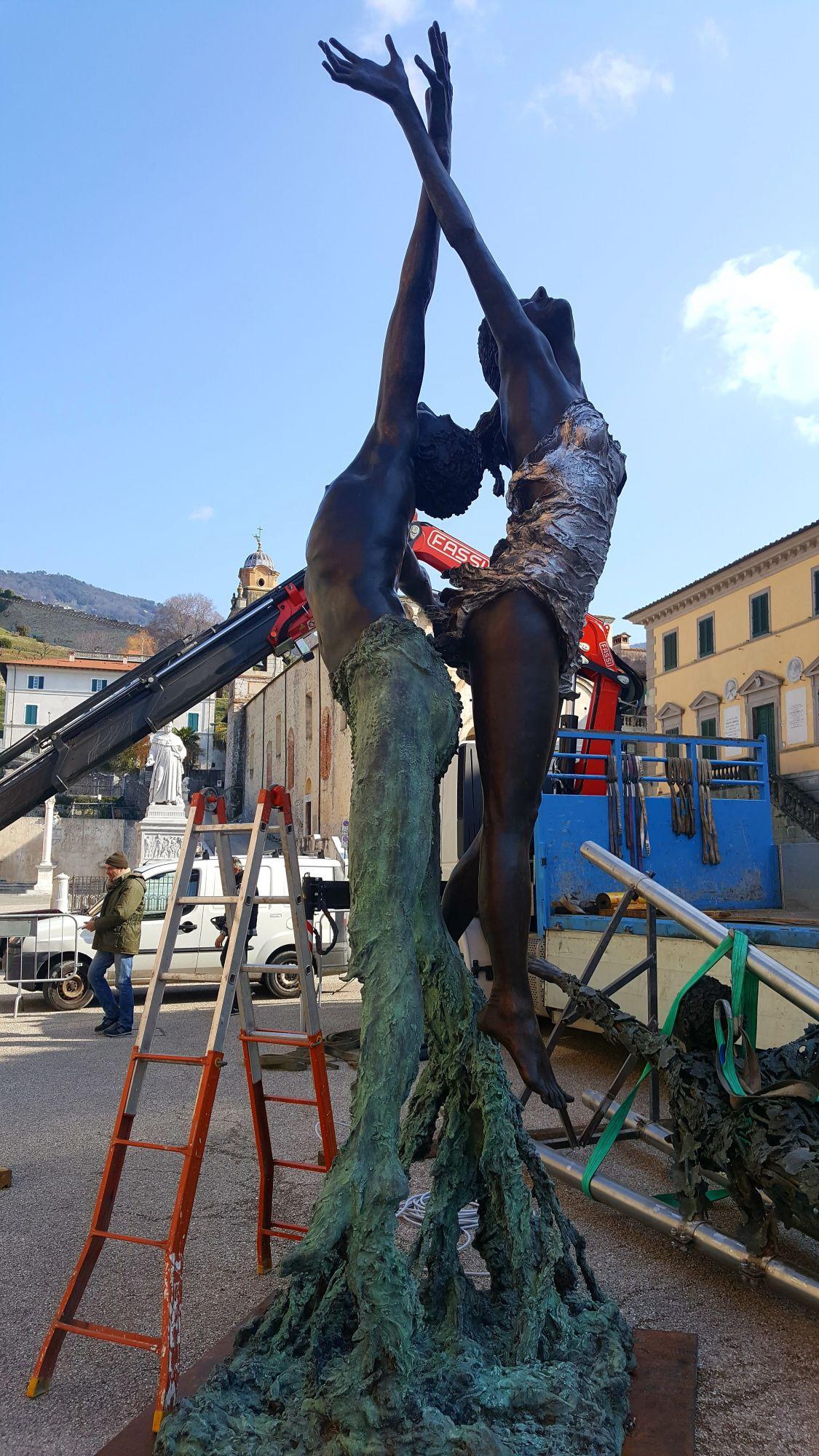 """""""Il dolce rumore della vita"""", la nuova mostra in Piazza Duomo"""
