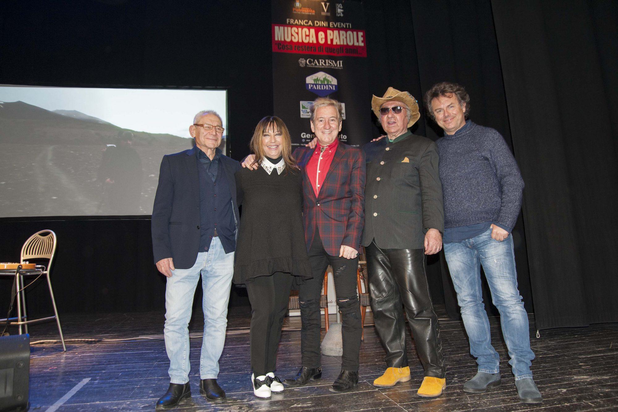 Successo del tributo a Lucio Battisti al teatro Comunale
