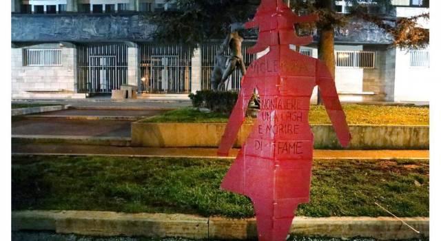 Sagome di donna in città, l'iniziativa del Collettivo Vogliamo la Luna per l'8 Marzo