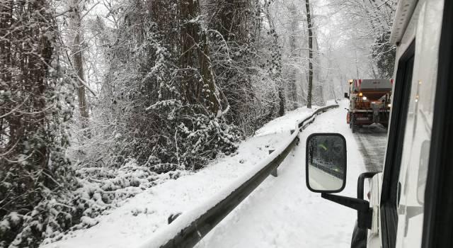 Catene a bordo e pneumatici da neve, dal 15 novembre scatta l'obbligo