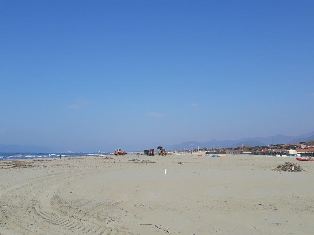 Spiaggia pulita per le festività pasquali, smaltite 770 tonnellate di lavarone