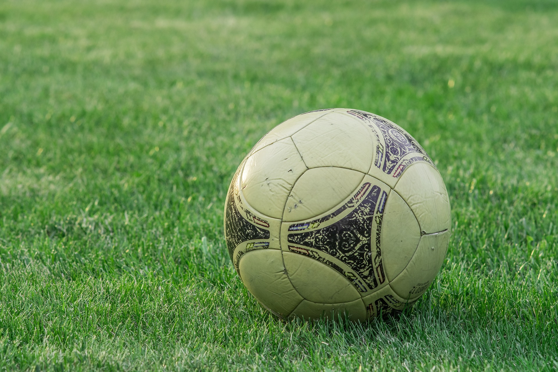 Calcio, per le versiliesi c'è ancora da lottare