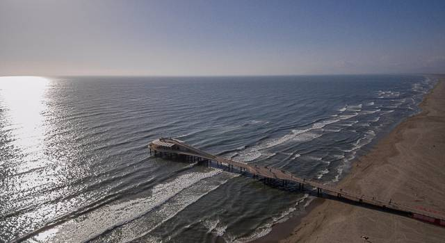Tutti al mare anche a Lido di Camaiore e Marina di Pietrasanta: stop ai divieti di balneazione