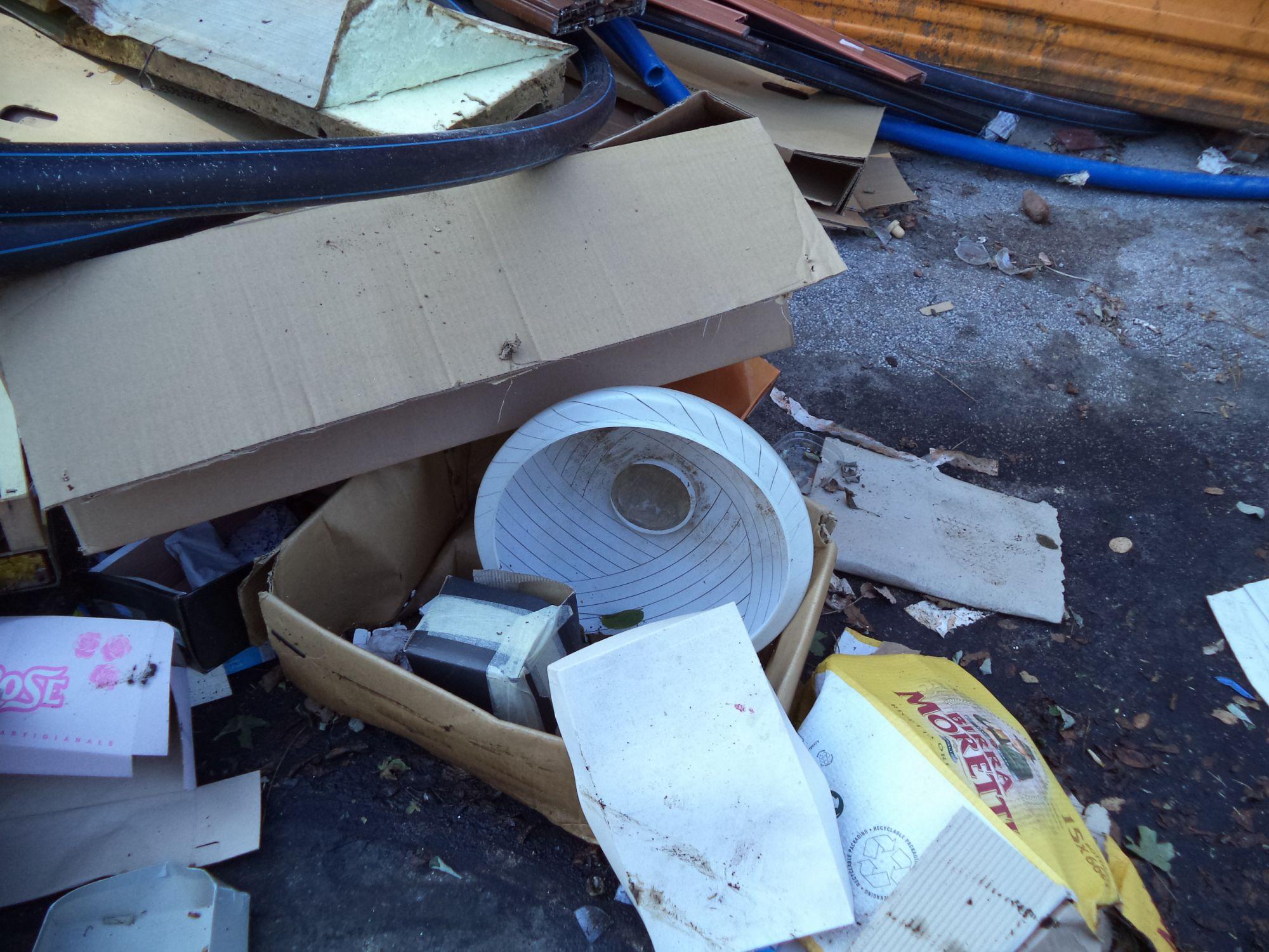 Fare Verde Versilia non si ferma: ennesima discarica abusiva nella zona industriale di Cotone a Viareggio