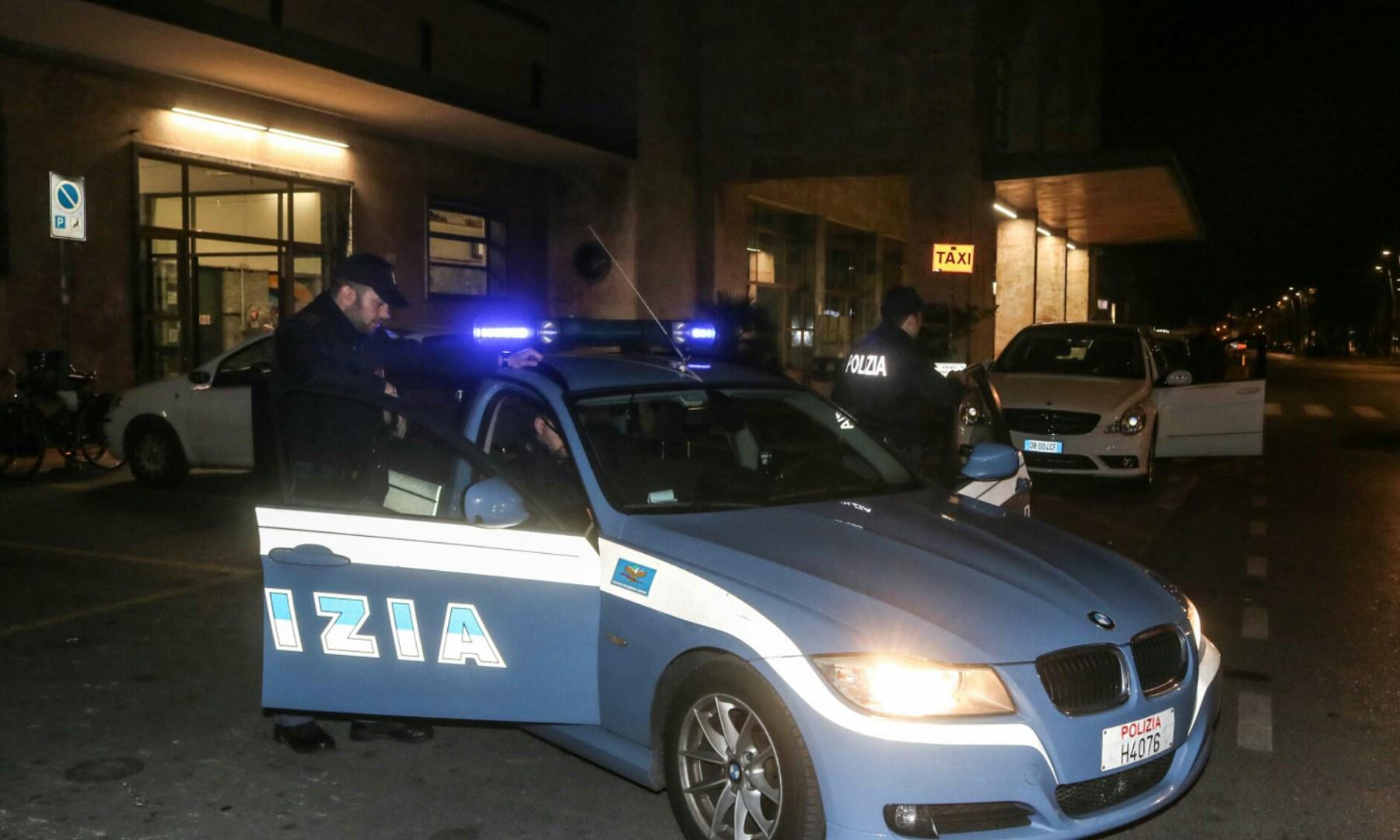 Tenta di suicidarsi alla Stazione di Viareggio, salvato dalla Polfer